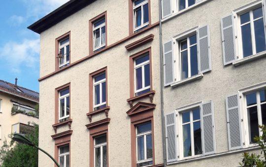 Altbau seitlich der Berger Straße im Musikerviertel